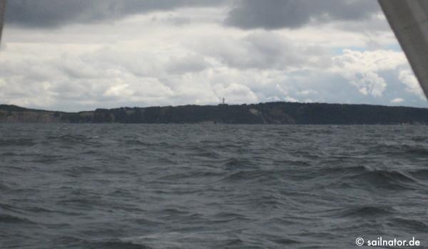 Hiddensee mit dem weißen Leuchtturm